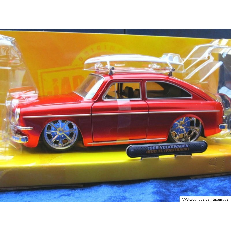 Vw 1600 Knocking: VW 1600 TL Type 3 Fastback Red With Surfboard 1:24