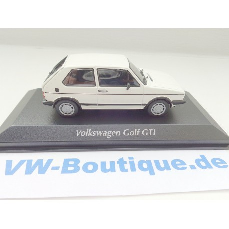 VW Golf 4 white 4-Door 1:43