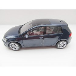 VW Golf 7 in blaumetallic