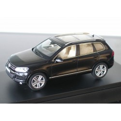 VW Touareg 2 schwarz black magic perleffekt (2009)