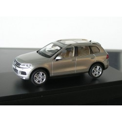 Touareg 2 (2009) in Tungsten silver