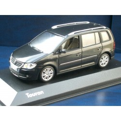 VW Touran GP 1 black magic perleffekt 1:43