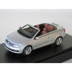 VW Beetle Convertible from Kyosho in 1:18   VOLKSWAGEN   NEW