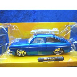 VW 1600 TL Type 3 Fastback blue with surfboard 1:24