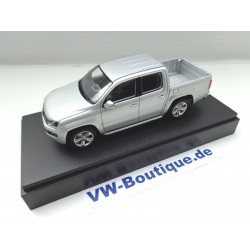 VW AMAROK from Minichamps in 1:43 blue metallic NEW  436058362