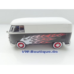 VOLKSWAGEN VW T1 Bus Transporter black white flames Motormax 1:24 79566 NEW