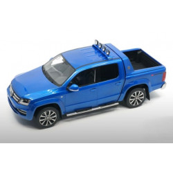 VOLKSWAGEN VW Passat W8 (B6) 1:18 blue from DNA New only 320 pieces