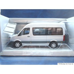 VW Crafter Bus in silver 1:43