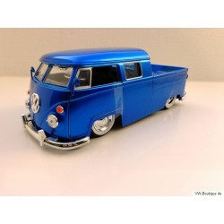 VW T1 Doka lowered blue metallic whitewall tires 1:24