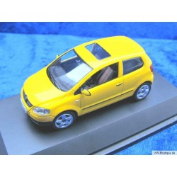 VW Fox Glasdach gelb 1:43